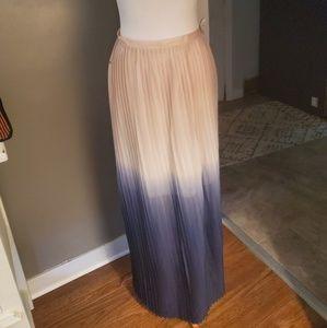 Colorblock pleated maxi skirt. ASO Meghan Markle
